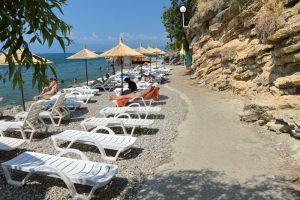 Una din multele plaje de pe ţărmul macedonean al lacului