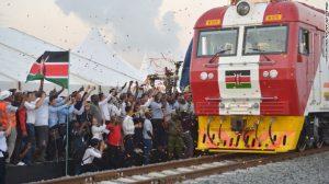 Tren kenyan care circulă cu 200 km la oră