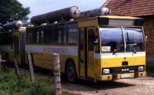 Autobuz din anii '80, care mergea cu motorină şi gaz metan